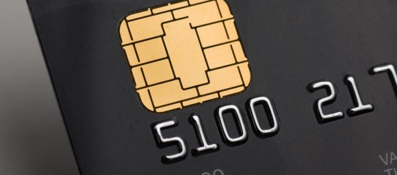 Pinpas met chip voor aanpak pinpasfraude Suriname