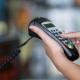 Surinamers betalen steeds vaker elektronisch